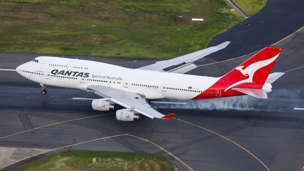 A picture of an aeroplane for a trading learning analogy.