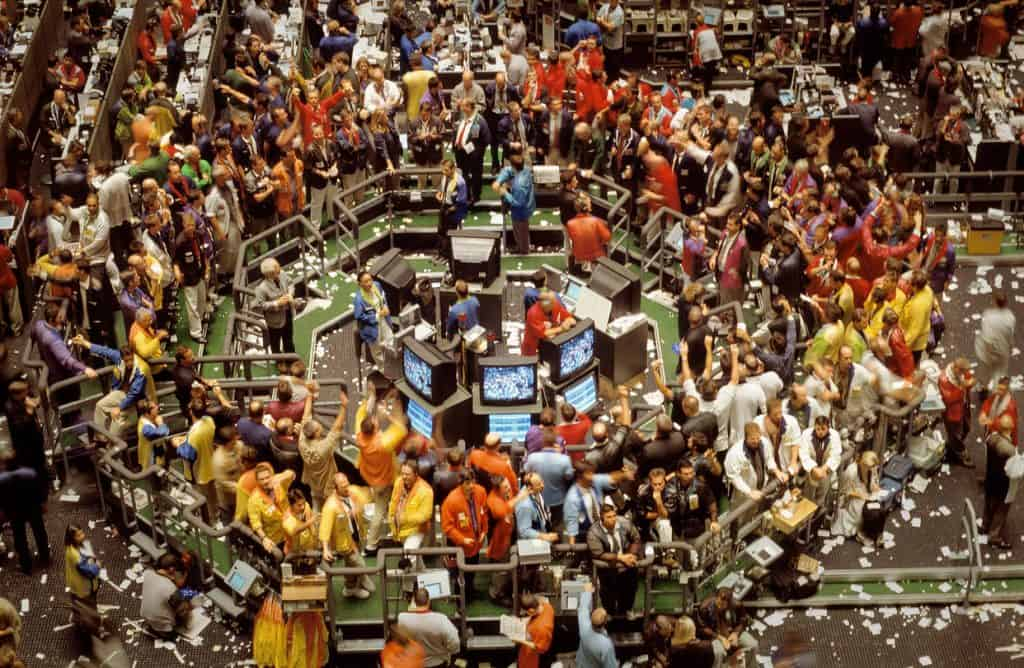 A picture showing professional traders in an old-style now-defunct trading pit.